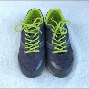 Vionic Kona sneaker 8.5